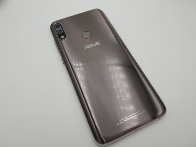 ZenFone Max Pro M2 外観