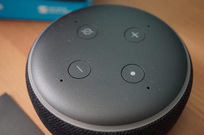 Echo Dot上部