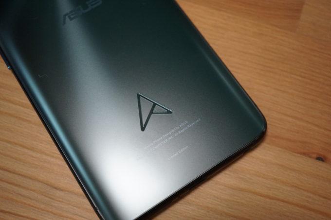ZenFone 6 本体ロゴ