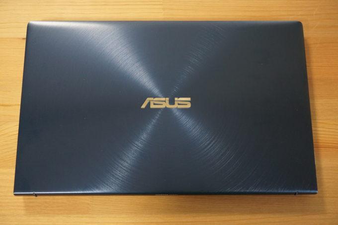 ZenBook 14 外観