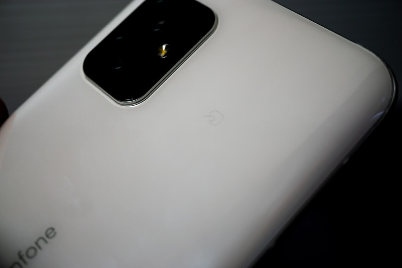 Zenfone 8 Felicaマーク