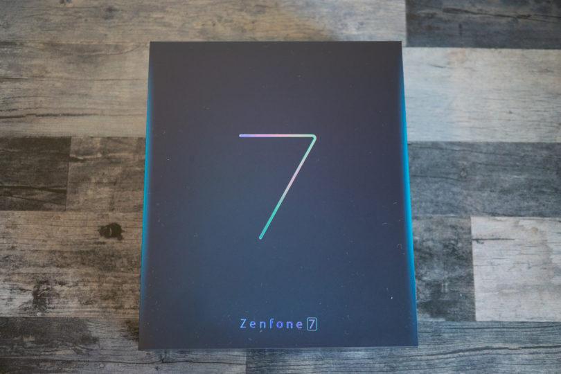 ZenFone 7 外箱